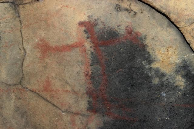 Swordfish Cave Chumash rock art pictograph