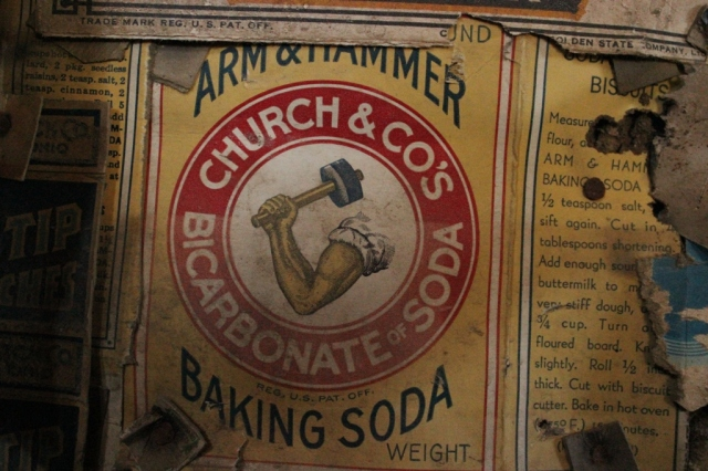 Arm and Hammer baking soda historic label