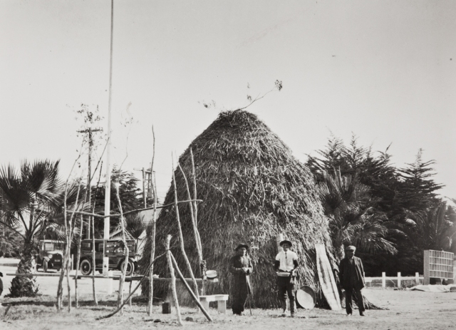 Finished Chumash house, thatched with tules, Ventura County Fair 1923