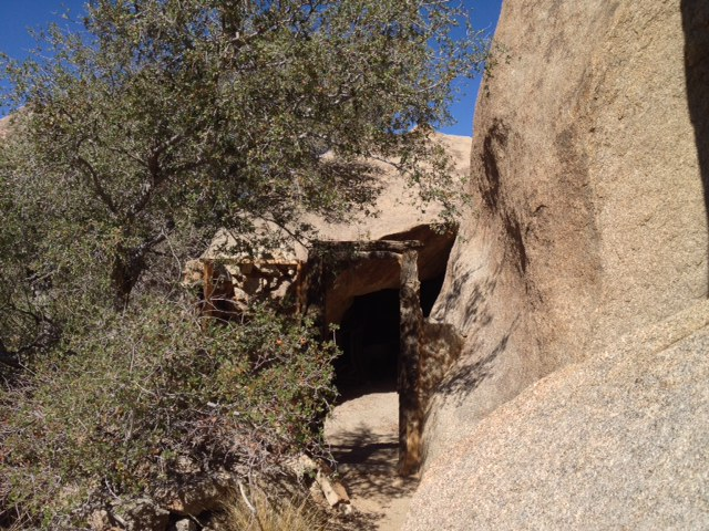 Eagle Cliff rock cabin Joshua Tree