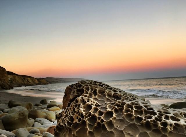 gaviota-sunset-tafoni-rock-formation-geology