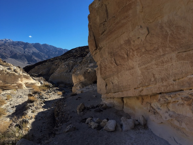 saline-valley-white-cliffs-petroglyphs-death-valley-national-park
