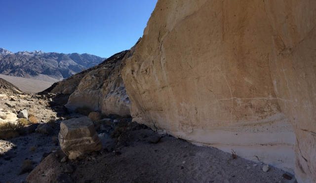 saline-valley-white-cliff-petroglyphs
